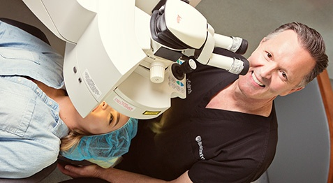what-to-look-for-lasik-surgeon.jpg